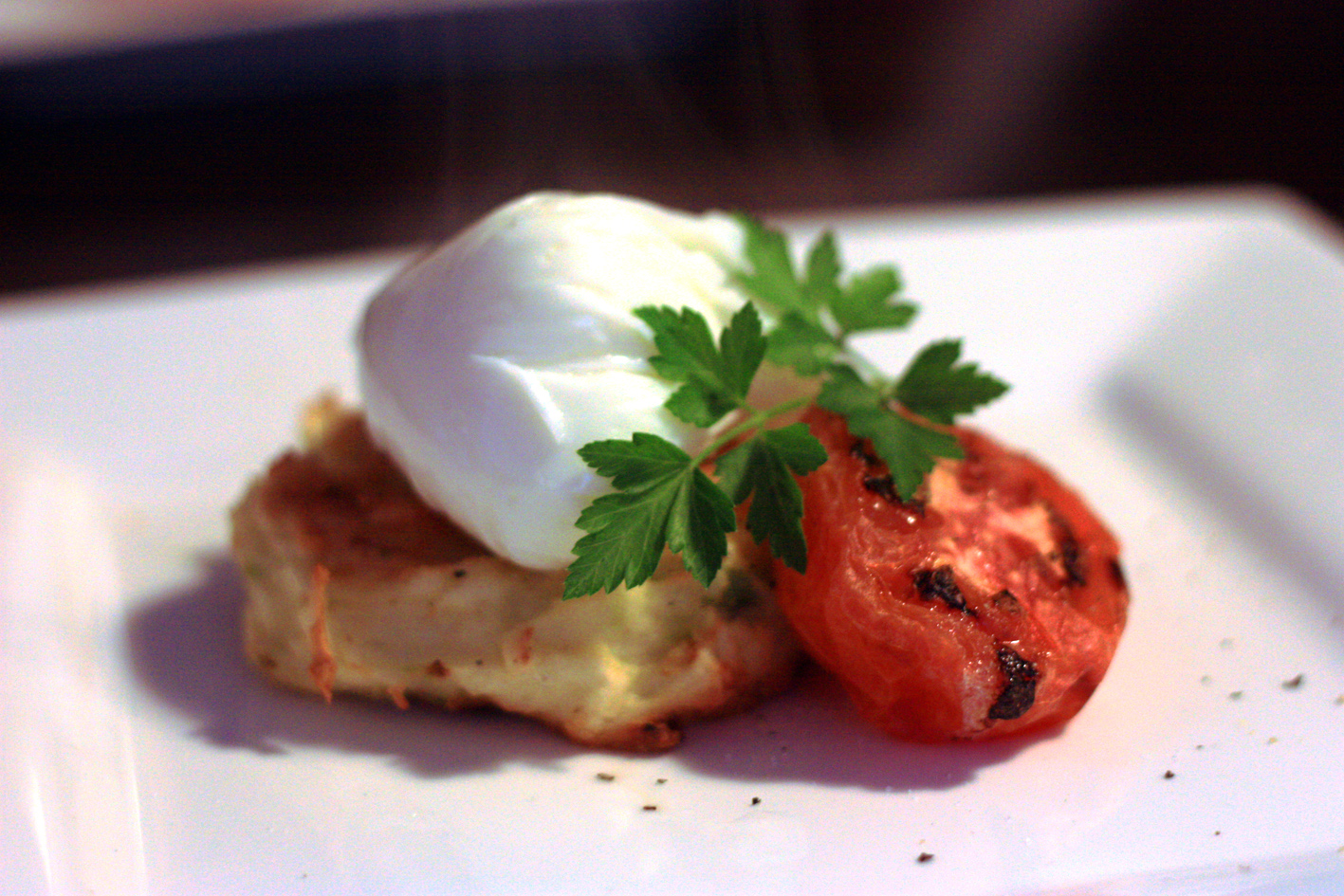 Breakfast: Baked potato rosti and poached egg | crispy&citrus